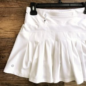 Lululemon White Circuit Breaker Skirt Size 4